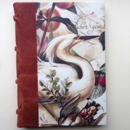 UITVERKOCHT: Handgemaakte agenda met lichte bruine leren kaft en antieke vogeltekeningen