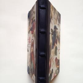 Handgemaakte Ipad mini cover met leren rug en vintage tekening van vogels