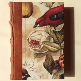 UITVERKOCHT: Handgemaakt notitieboek/ schrift met licht bruin leren kaft met vintage vogel tekening.