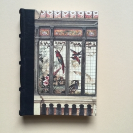 *** UITVERKOCHT *** Handgemaakt notitieboek (Dik formaat) met zwart lederen rug en vintage dierentuin tekening.