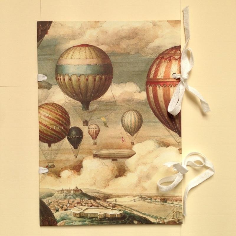 Handgemaakte bewaarmap met vintage luchtballonnen design