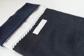 lovely lace navy/white