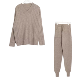 COMFY SET V-NECK CABLE MOCCA By Yessey