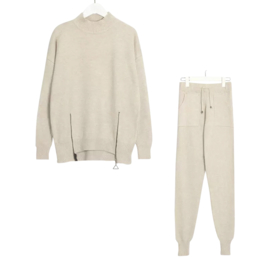 COMFY SET ZIPPER  OFFWHITE By Yessey