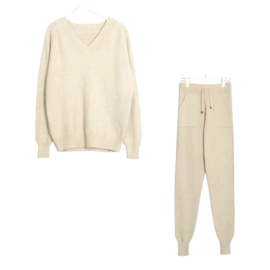 COMFY SET V-NECK OFFWHITE By Yessey