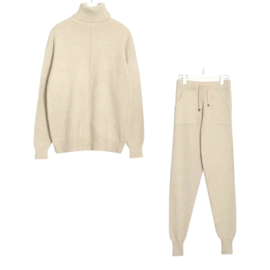 COMFY SET COSY OFFWHITE By Yessey