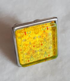 Cabochonring  MOSTERD geel