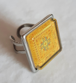 Cabochon ring CURRY yellow