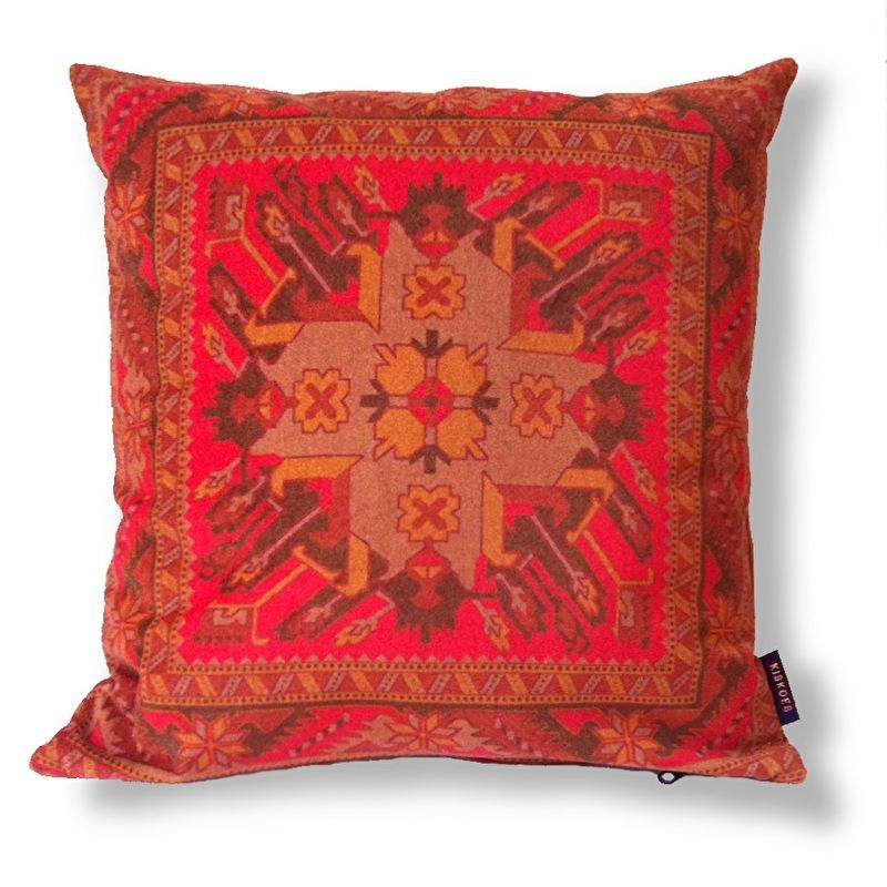 Cuscino Rosso in velluto fodera per cuscino CORNIOLA