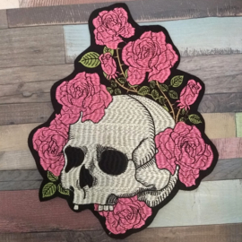 000 - BACKPATCH - Almost toothles SKULL with old pink ROSES with thorns - MEMENTO MORI