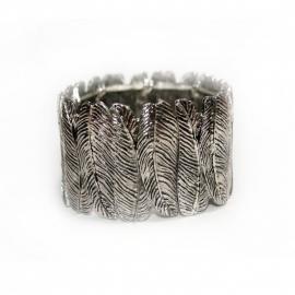 Feathered bracelet