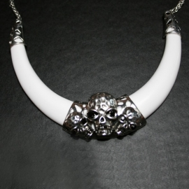 Triple skull necklace