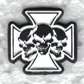PIN - Three Skulls in  a Maltese Cross