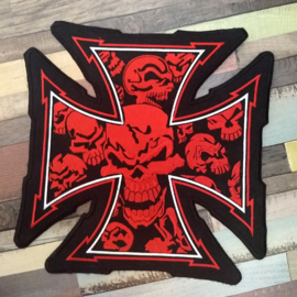 000 - BACKPATCH - Maltese Cross with RED SKULLS