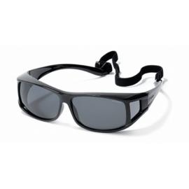 Polaroid®  XL Lichtgewicht Overzetzonnebril Zwart