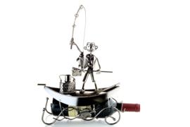 Visbeeldje Wijnfleshouder – visser in boot metalen cadeau beeldje