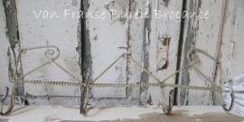 Frans  fil de fer handdoekenrekje - SOLD