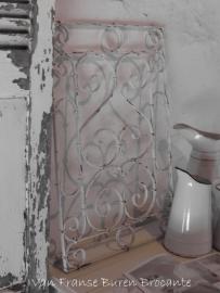 wit oud Frans ijzeren raamrek - SOLD*