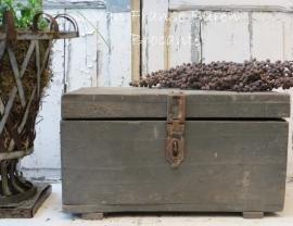 oud grijs houten kistje -SOLD