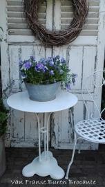 oud Frans wit rond ijzeren tuintafeltje met gietijzeren voet-VERKOCHT/SOLD