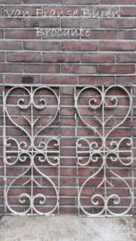 2 oude Franse grilles - raamhekken - raamrekken - SOLD