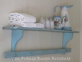 Frans lichtblauw regaal /keukenrek in doorleefde oude verf - SOLD*