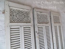 3 Franse witte opengewerkte oude luiken - SOLD