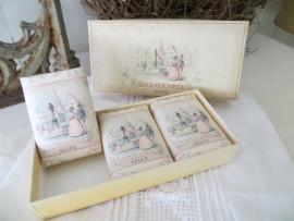 3 oude lavandelzeepjes in doosje - SOLD*