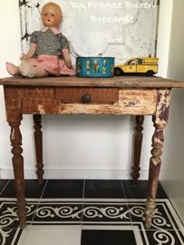 Klein Oud houten tafeltje met laatje - kindertafeltje