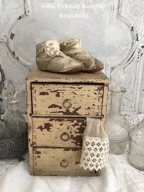 houten kistje met laatjes / klein ladekastje - VERKOCHT/SOLD