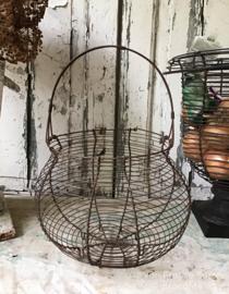 Oud Frans eiermandje van draadijzer -  fil de fer