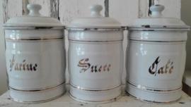 3 Franse emaillen witte voorraadbussen Sucre -Café - Farine - SOLD