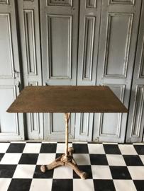 Oude Franse tuinrafel - terrastafel met gietijzeren voet