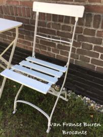 Oud Frans wit bistostoeltje - bistrostoel- inklapbare terrasstoel- VERKOCHT/ SOLD