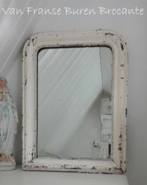oude Franse spiegel met parelrand in sleetse verf - SOLD