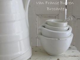 oude Franse pharmacie mengkommetjes / vijzels van het merk GDV