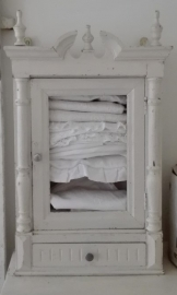 wit Frans kastje - hangkastje