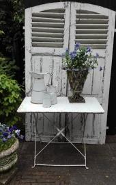Franse inklapbare tuintafel in  doorleefde witte verf - SOLD*