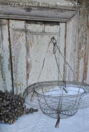 fil de fer draadmandje / hanging basket VERKOCHT/SOLD