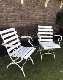 2 oude Franse armleunstoelen - terrasstoelen - VERKOCHT/SOLD