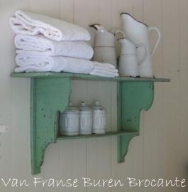 klein regaal/ schap / wandrek in een oud Frans groene verf- SOLD*