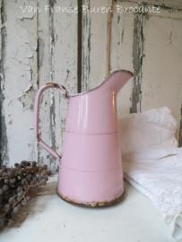 roze Frans emaillen kannetje / waterkan- SOLD