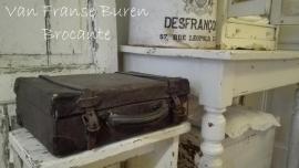 doorleefd Frans koffertje met leren riempjes- VERKOCHT/SOLD