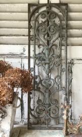 Oud Frans geëmailleerd  gietijzeren raamrek - raamrooster - grille