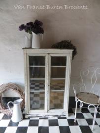 oude Franse vitrinekast - VERKOCHT/SOLD