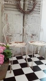 2 smeedijzeren witte Franse tuinstoeltjes - SOLD*