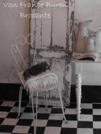 Frans wit ijzeren tuinstoel met armleuningen - SOLD*