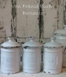 3 kleine Frans emaillen witte voorraadbusjes - SOLD*