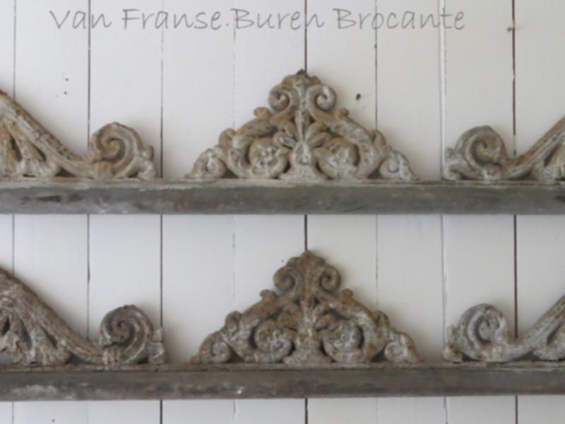 2 garde corps de fenetre - Frans gietijzeren raamhek -  2 raamhekken - raamrooster - raam ornament - raamwerk