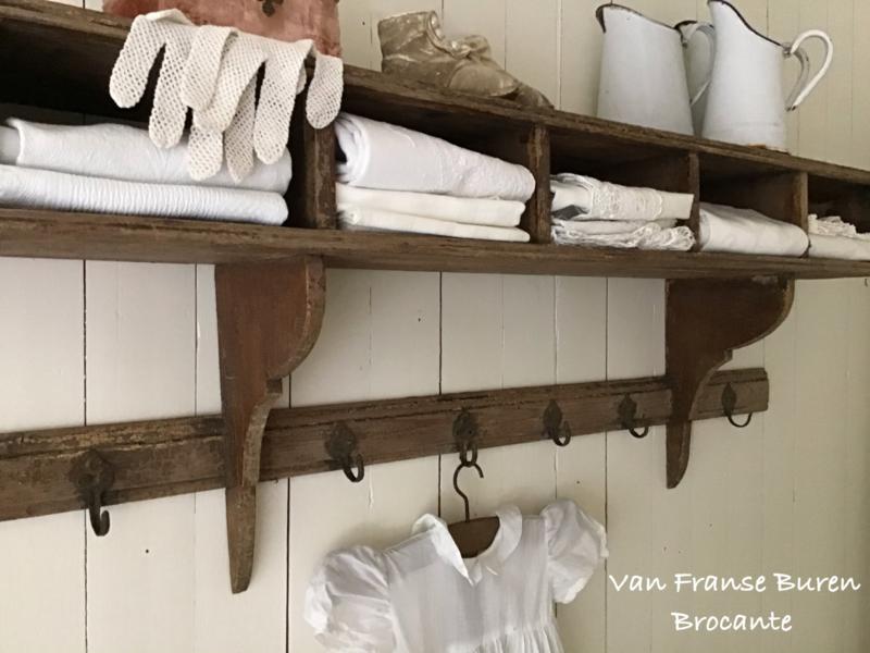 Oud Frans regaal - keukenrek met vakjes - kapstok - VERKOCHT/SOLD